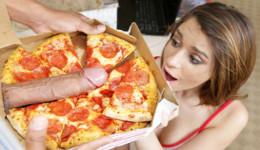 Le envían una pizza con ingrediente sorpresa